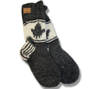 Adult wool socks w/maple leaf charcoal background